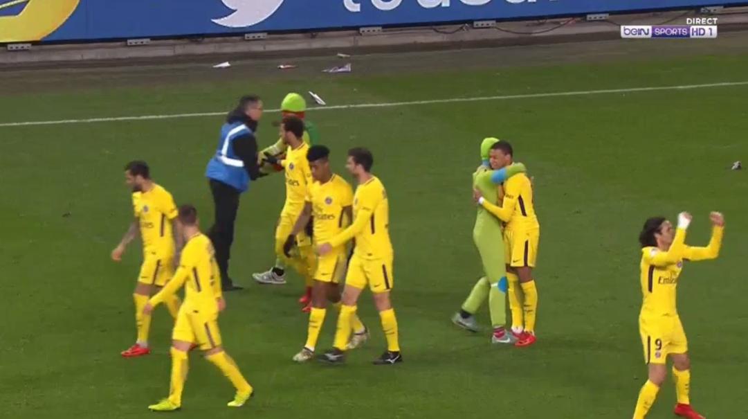 Neymar shines on return as Paris Saint-Germain beat Rennes