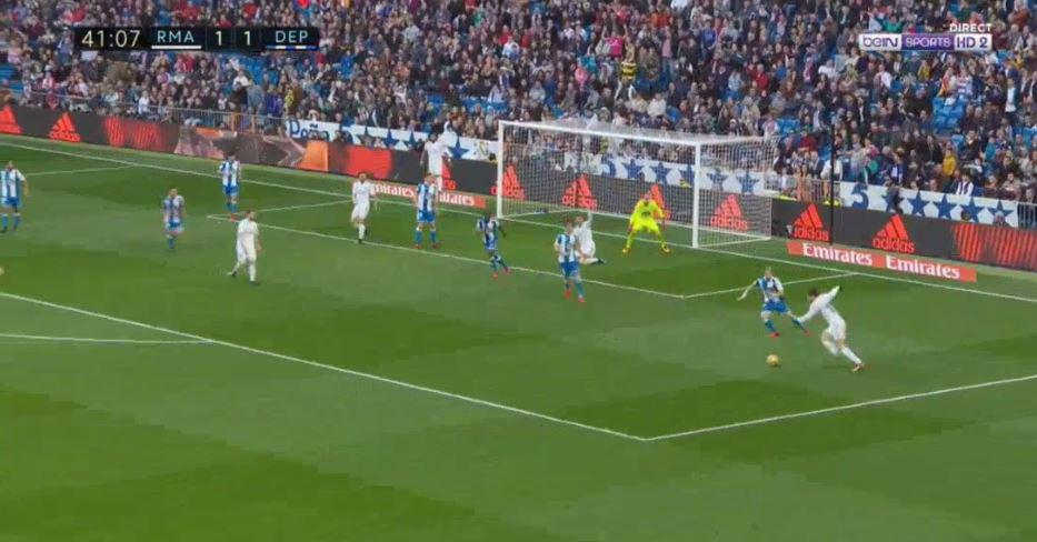 Ronaldo appealed for a penalty on the deck