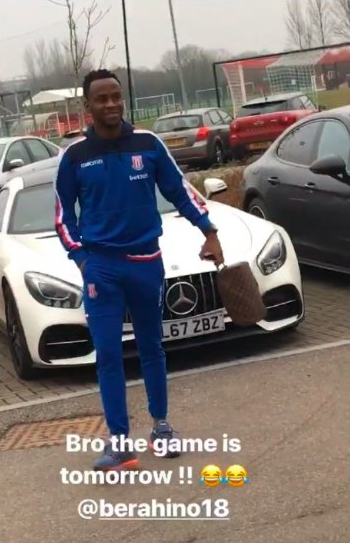 Zouma spotted Berahino with wash bag in hand