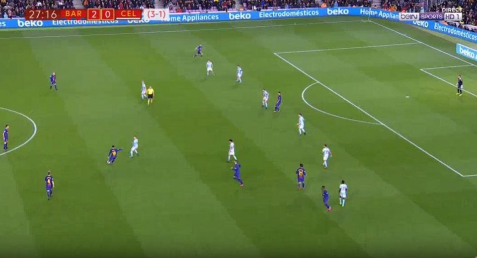 He spots Alba's run at the top of the picture