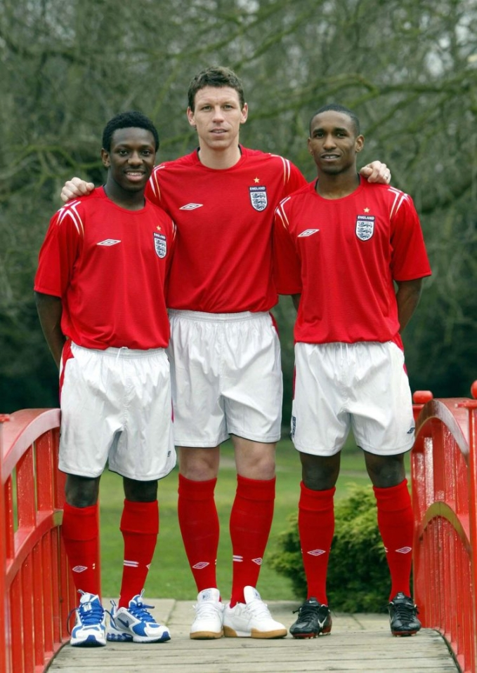 England's left sided saviour posing on a bridge with SWP and Jermain Defoe