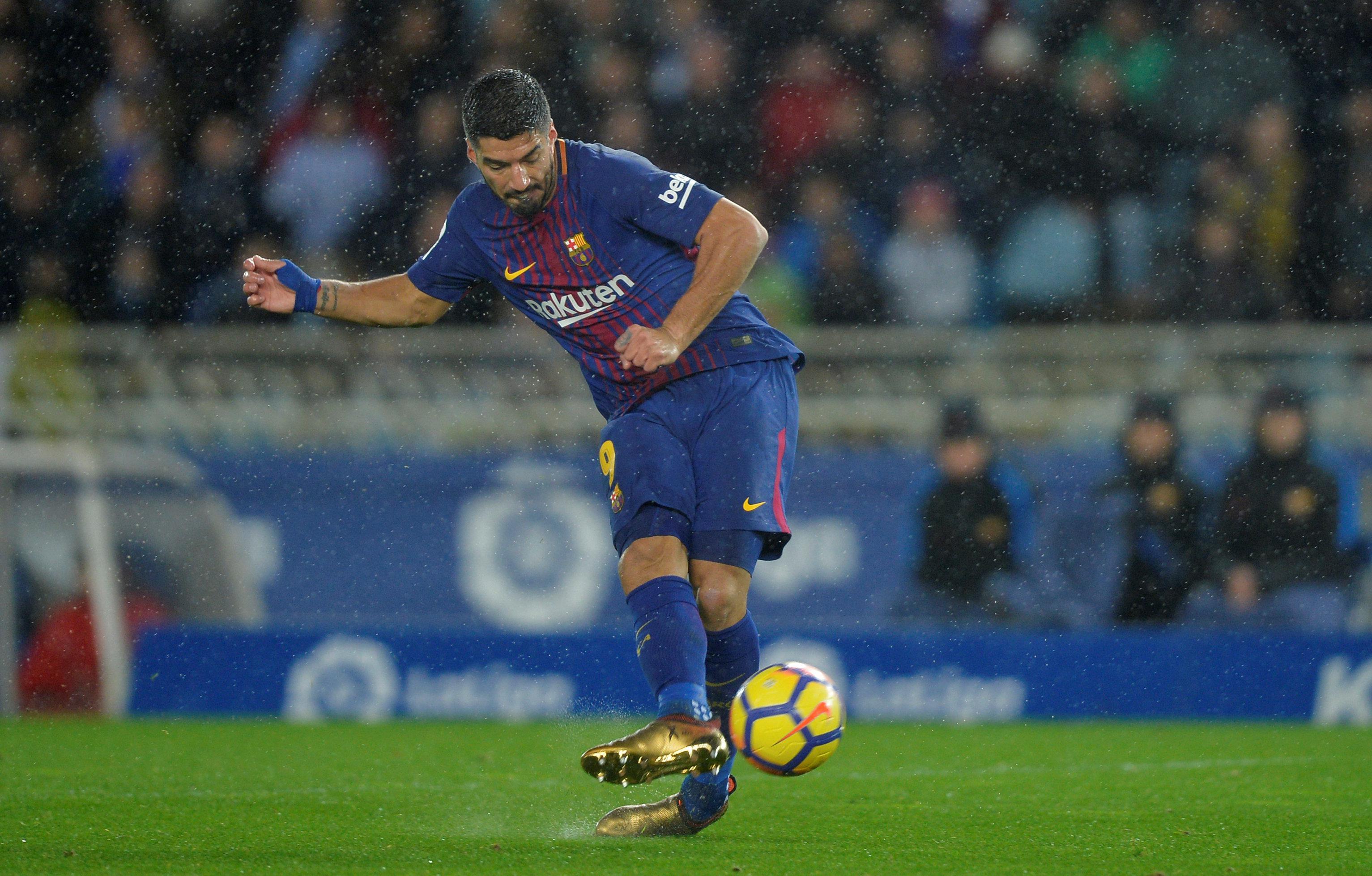 Suarez tucks away his second goal against Sociedad