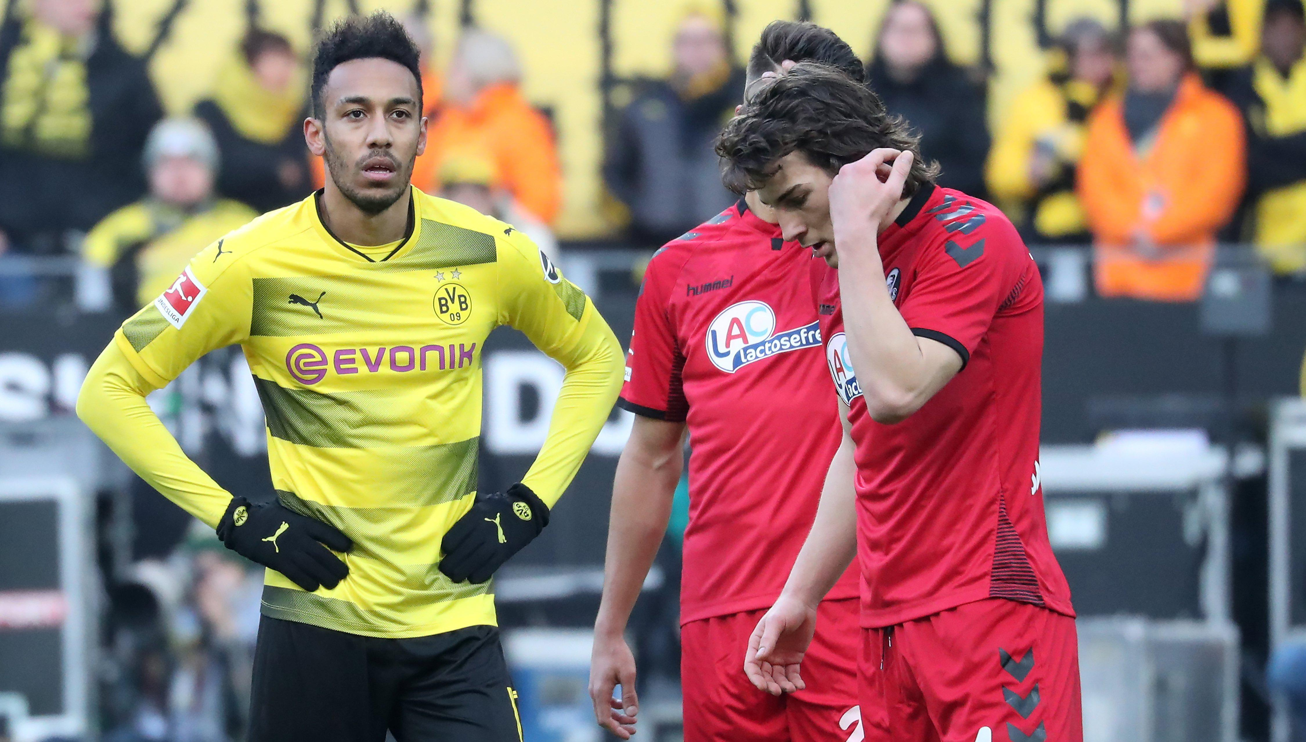 Aubameyang in action against Freiburg