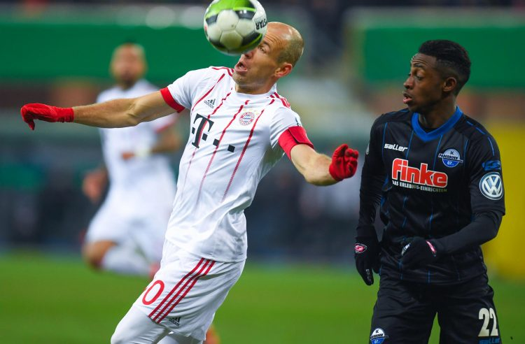 Robben controlling the ball with his eye