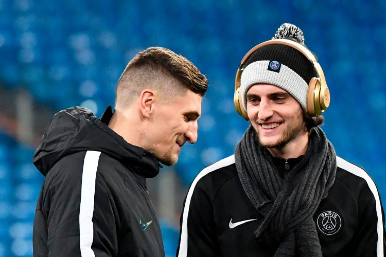 You can afford gold headphones when you play for PSG
