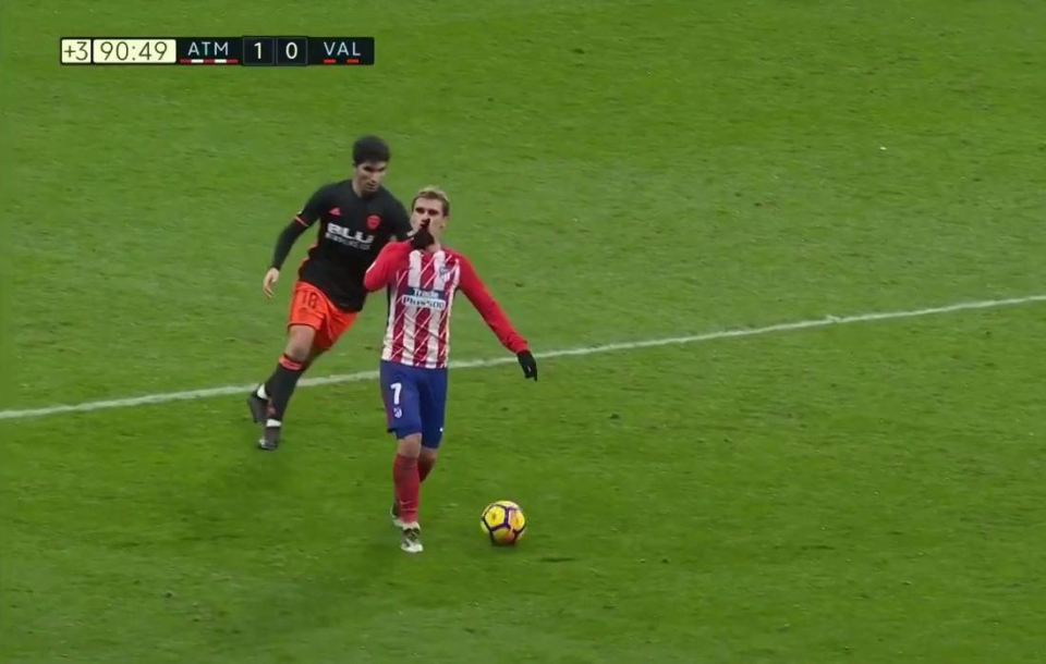 Griezmann was still in possession when he started gesturing to the Atletico fans
