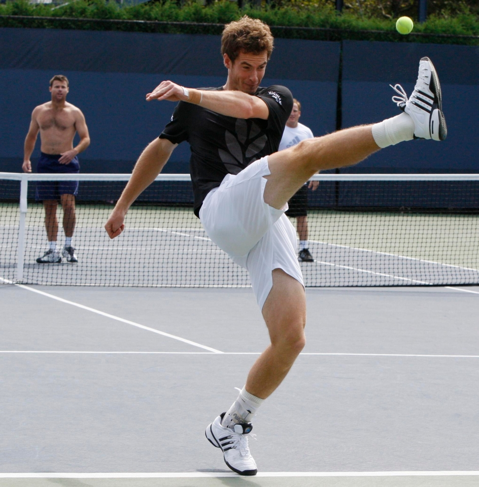 Andy Murray here, taking tips from Moussa Sissoko