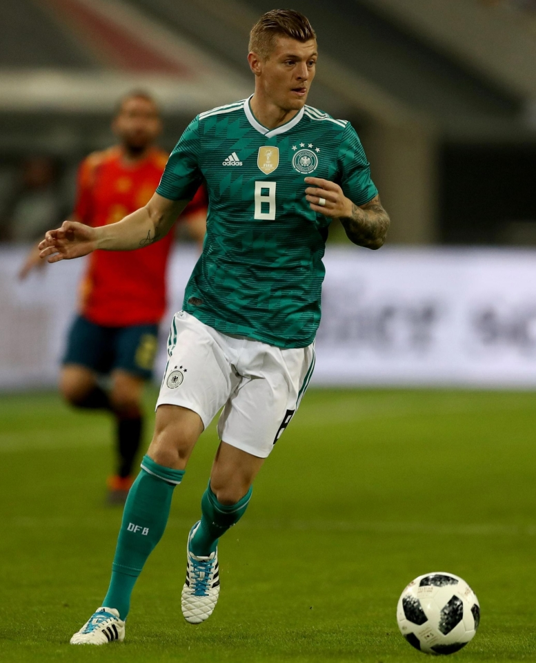 huge discount 63779 45bfa Toni Kroos would make Man United twice the team they are now ...