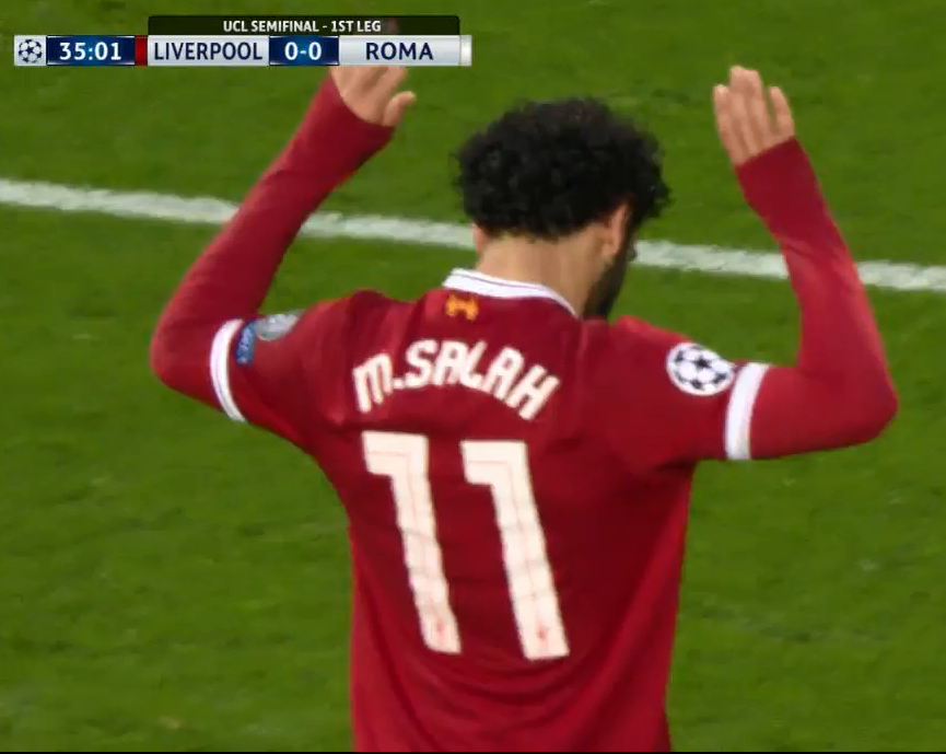 buy popular 55b3f f4821 Mo Salah proves he's the nicest man alive by not celebrating ...