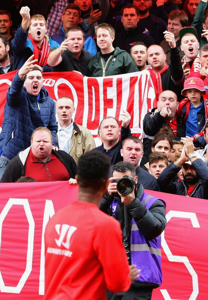 Liverpool fans give Sterling a warm welcome…