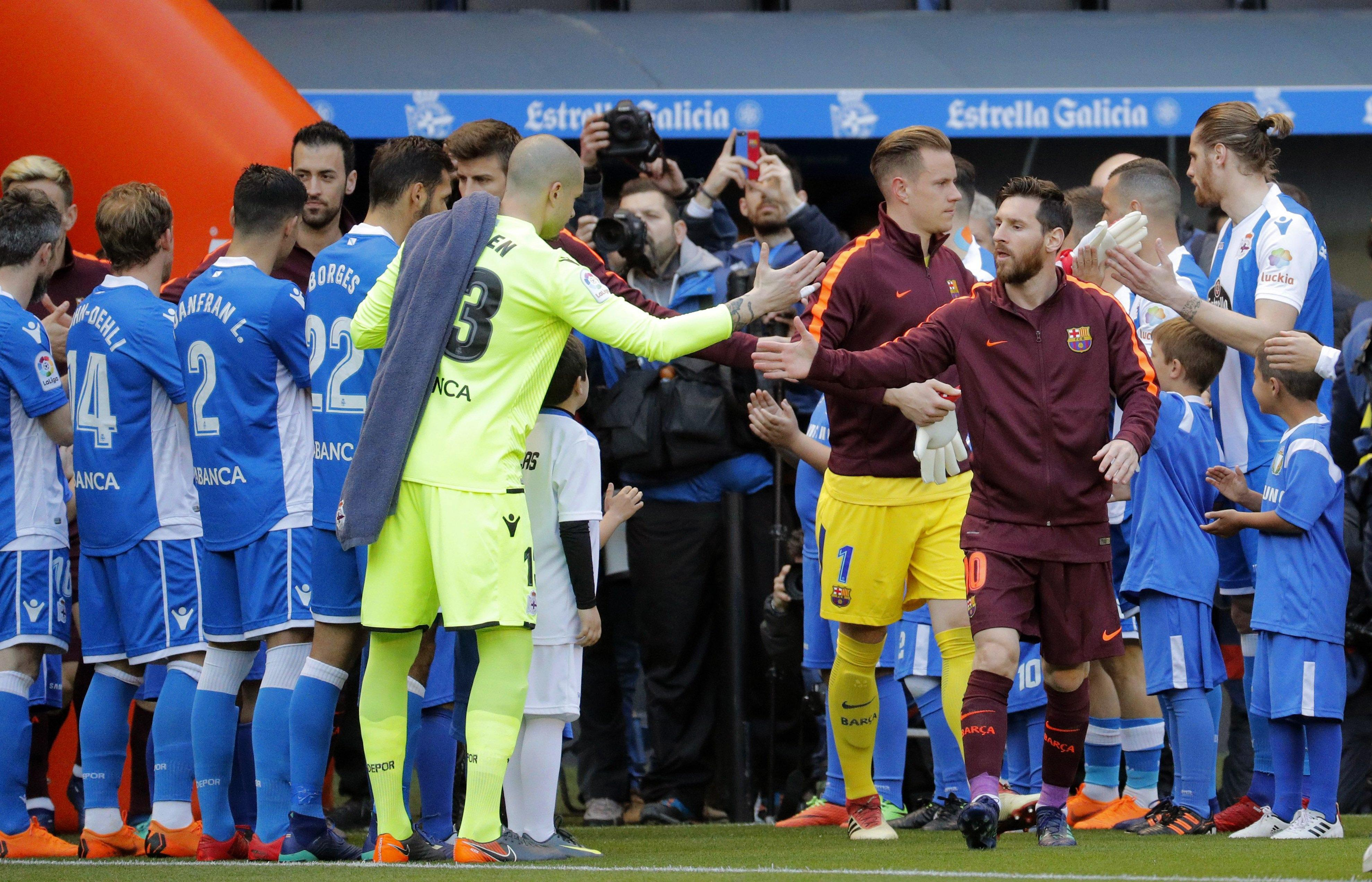 Deportivo honoured Barca's Copa del Rey win with a guard of honour at the weekend