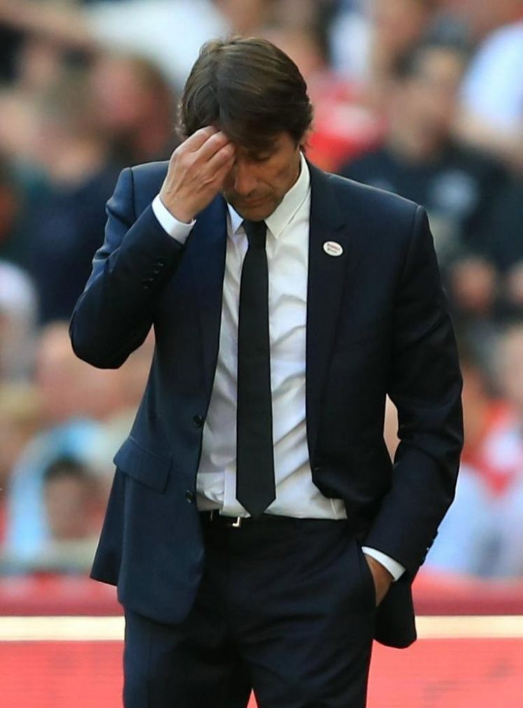 Conte wondering whether he should go to Lake Como or Lake Garda with his pay off