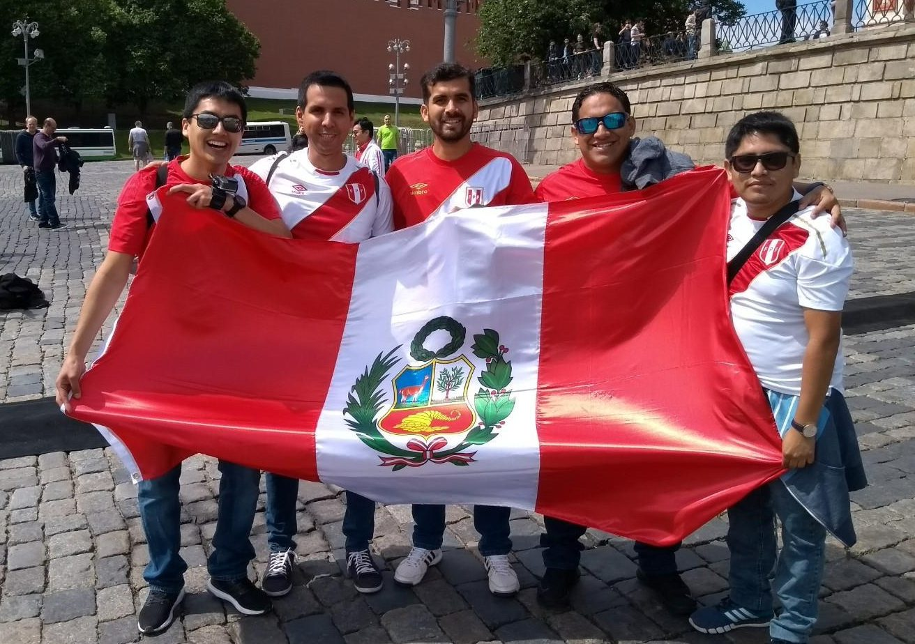 We have to stress, its not mandatory for Peruvians to carry a flag, but a lot of them in Moscow do