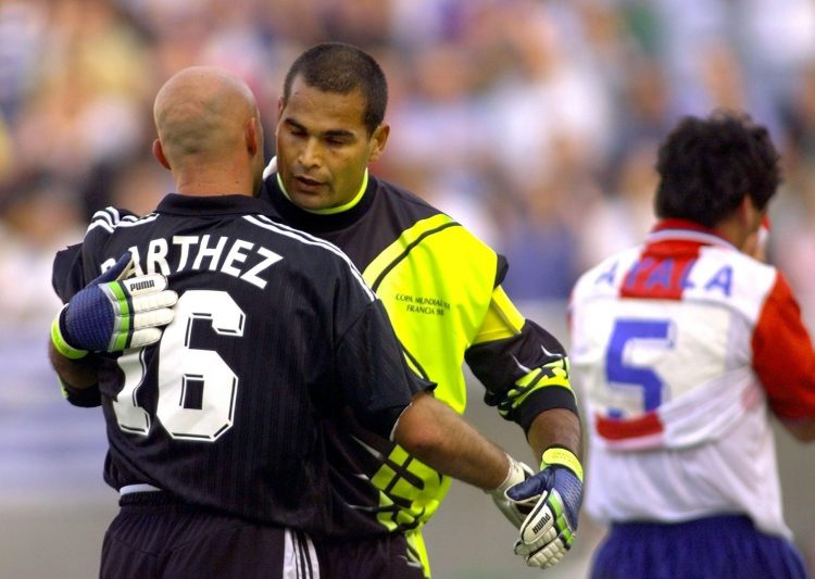 Two heavyweights of the goalkeeping world