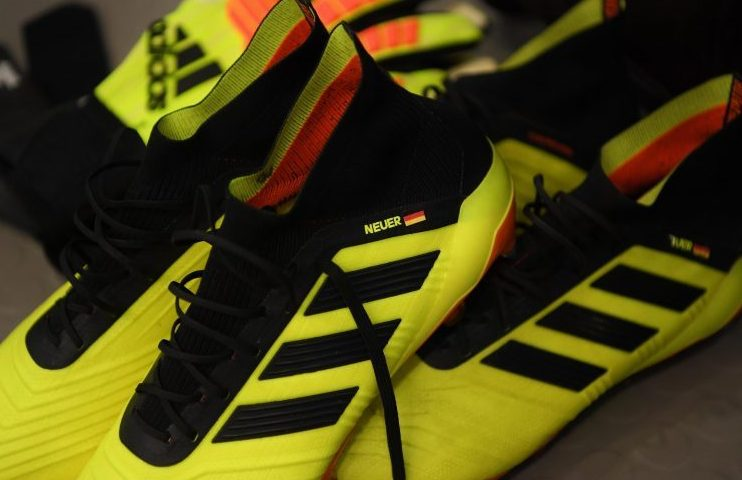 Weird that Nacho has Manuel Neuer's name on his boots