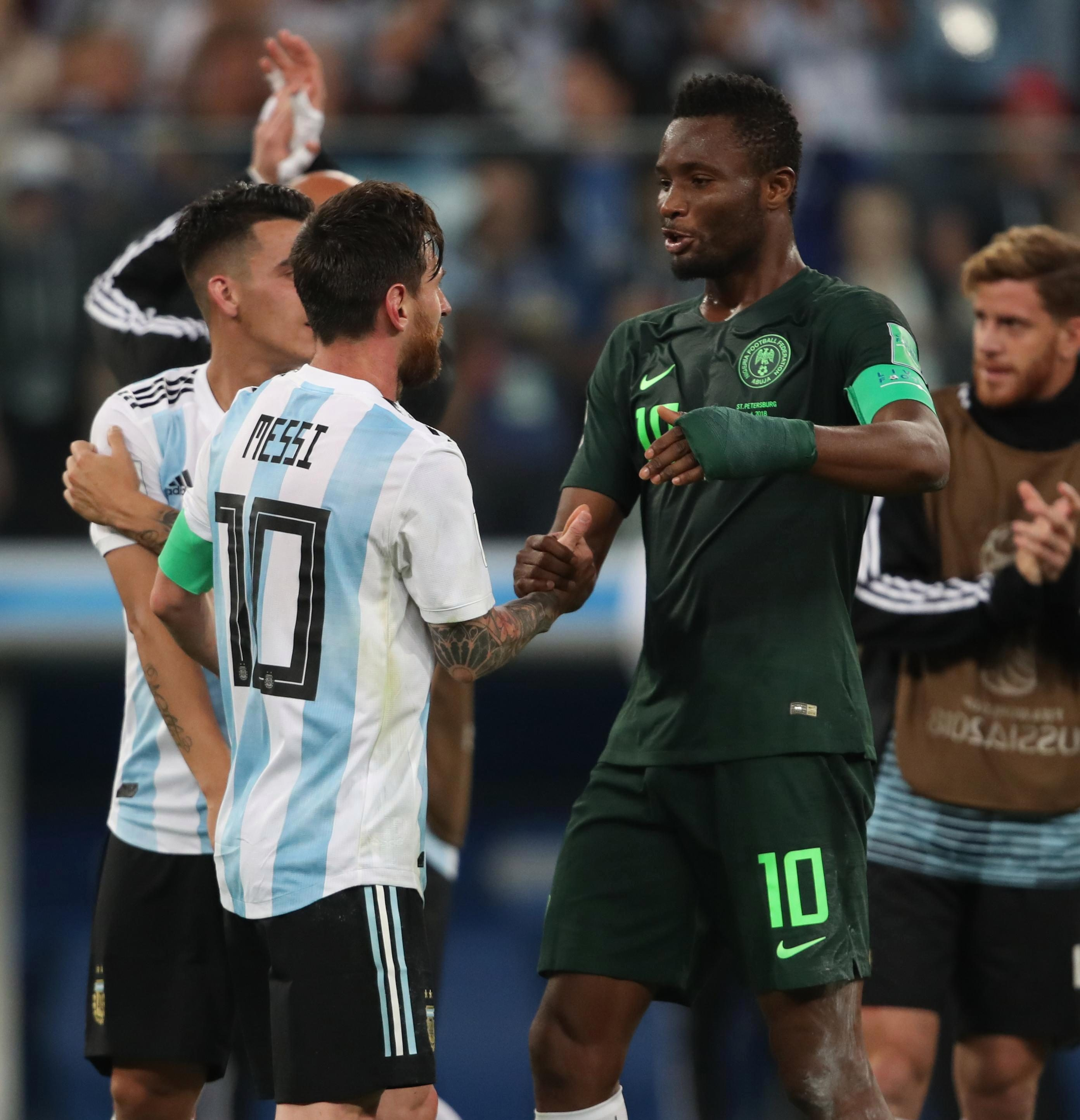Messi visited Mikel personally to try and persuade him to stay