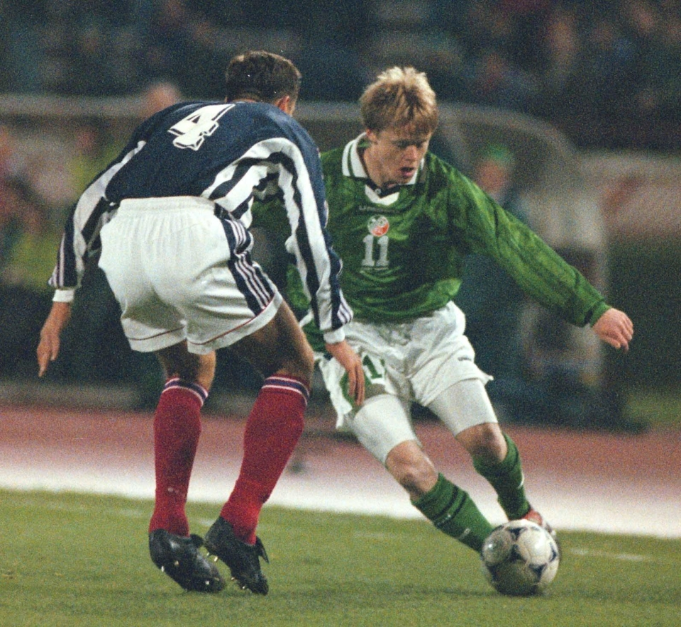 A young Damien Duff tries to get past Slavisa Jokanovic in 2000… I bet you didn't think you would see that today