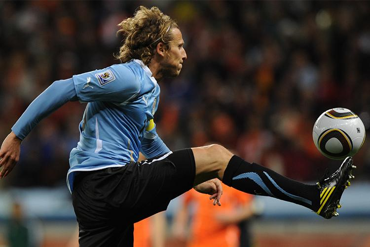 Luka Modric Became The First Nike Sponsored Athlete To Lift The