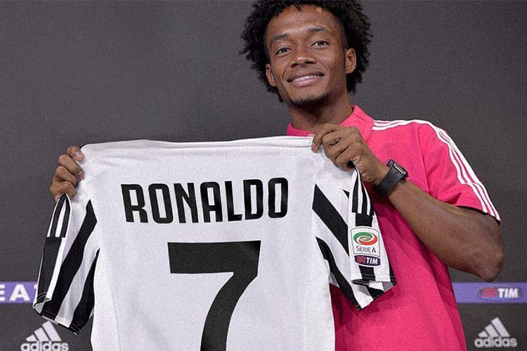 buy online 9a5c3 ba86a Juan Cuadrado has a brilliant new number after Cristiano ...