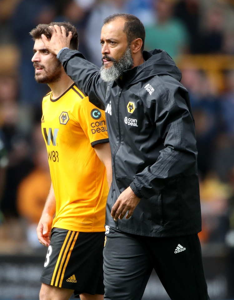 Hold on tight to him, Nuno