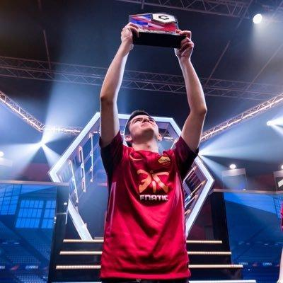 Rannerz after winning the Gfinity Elite Series S3 trophy