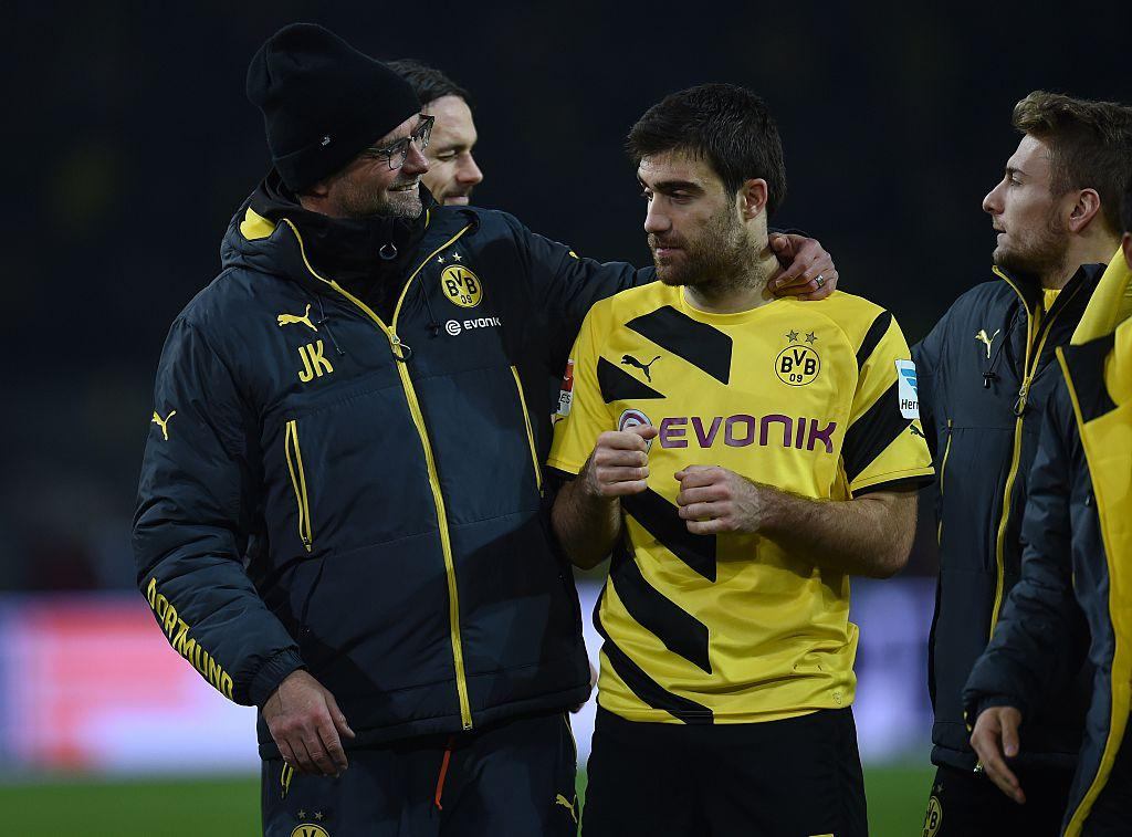 Find someone who looks at you the way Klopp looks at Sokratis