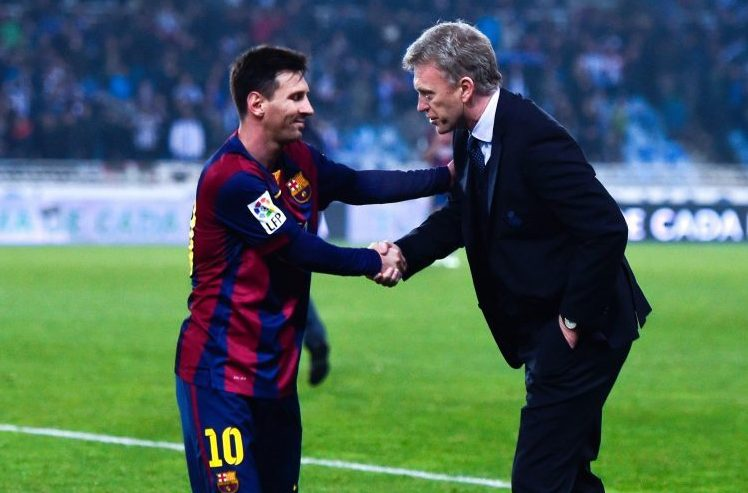 Moyes shaking hands with a fan