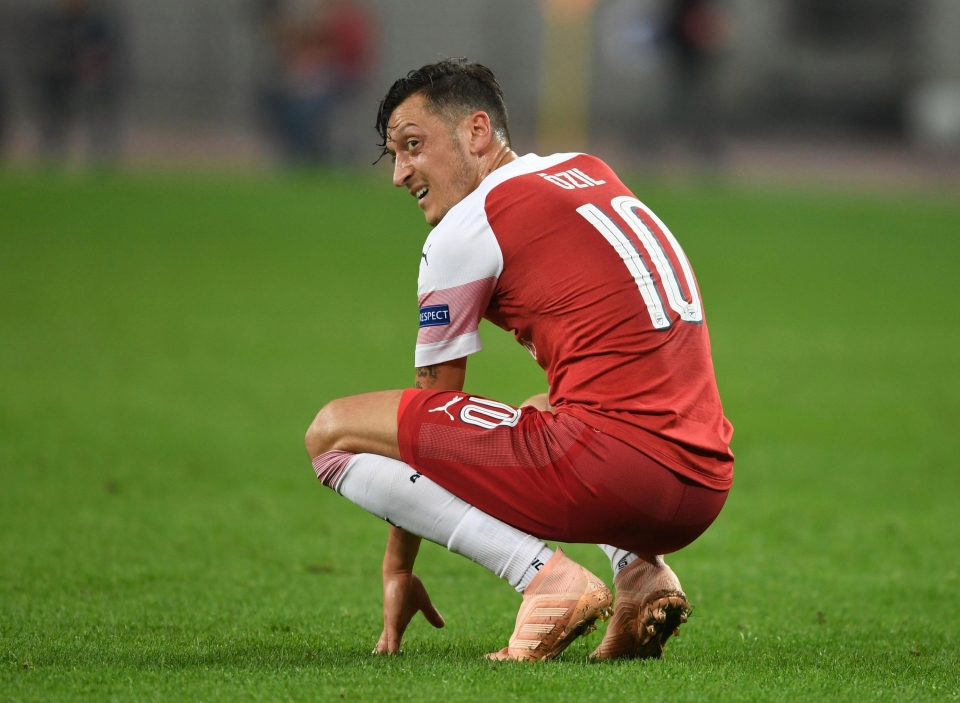 *Insert generic photo of Ozil looking forlorn*