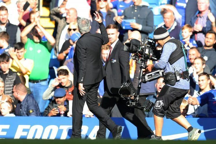 Mourinho reminding Chelsea fans how many titles he won for them