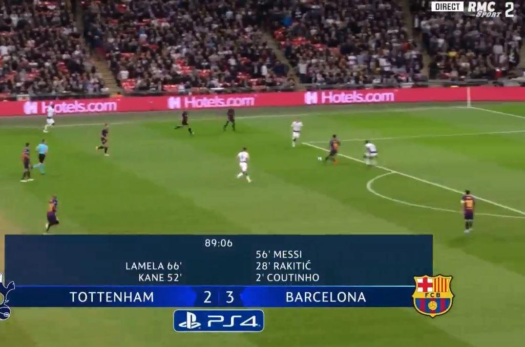 Alba plays it into Suarez's feet