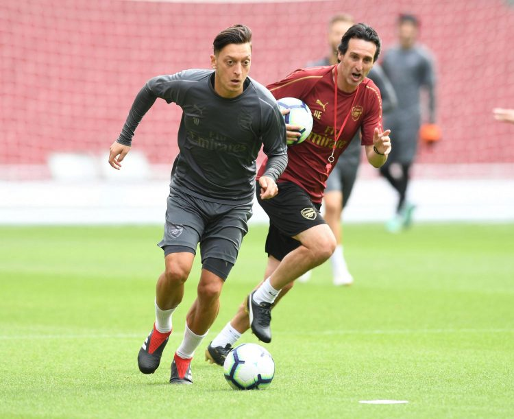 Even Emery is pressing Ozil