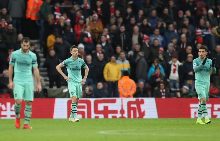 Hands on hips is a classic Arsenal pose