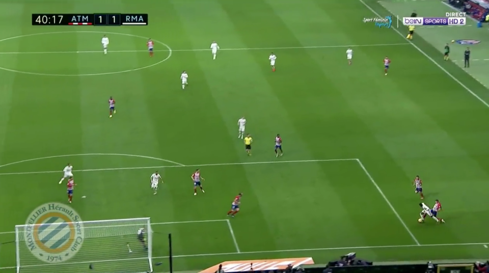 Gimenez clearly made contact with Vinicius outside of the box