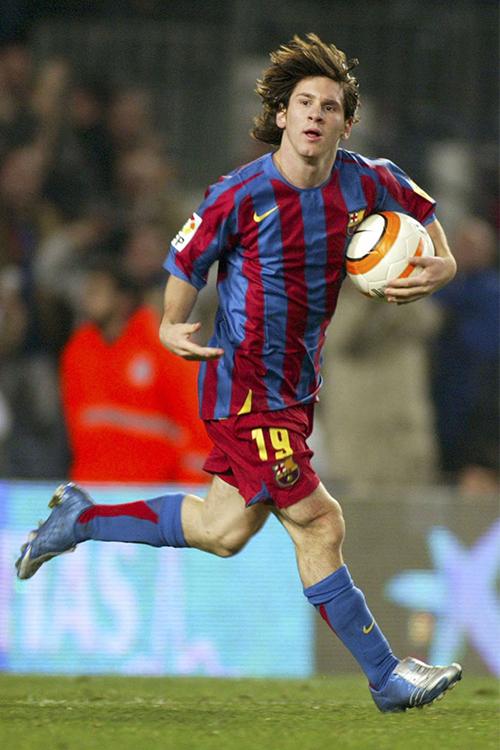 Lionel Messi wearing Nike not adidas