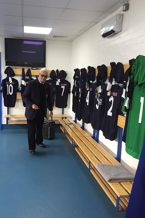 Wingate & Finchley's no.9 prepares to do battle