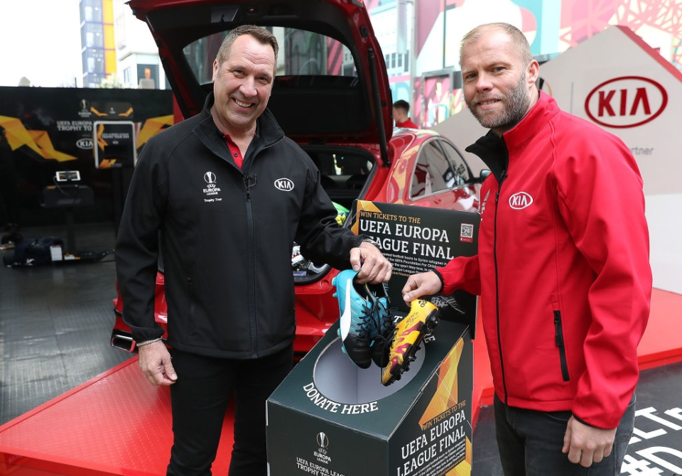 Seaman was joined by Eidur Gudjohnsen on the Europa League trophy tour in London