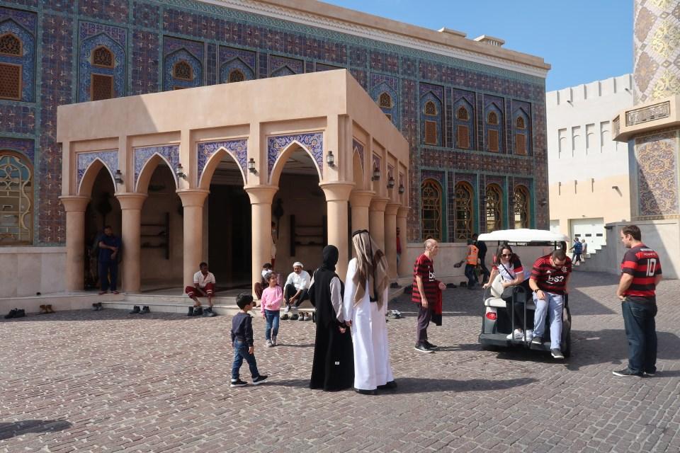Flamengo fans visit Doha's Blue Mosque