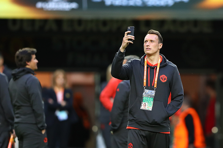 Europa League final signal is famously shit