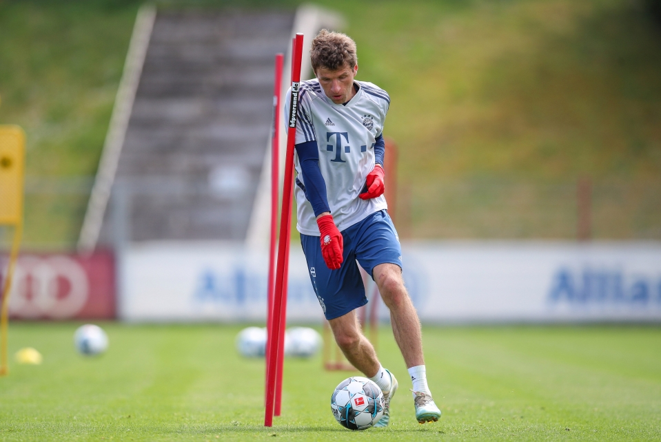 Thomas Muller, the original 'space investigator', taking it to another level in Bayern Munich training