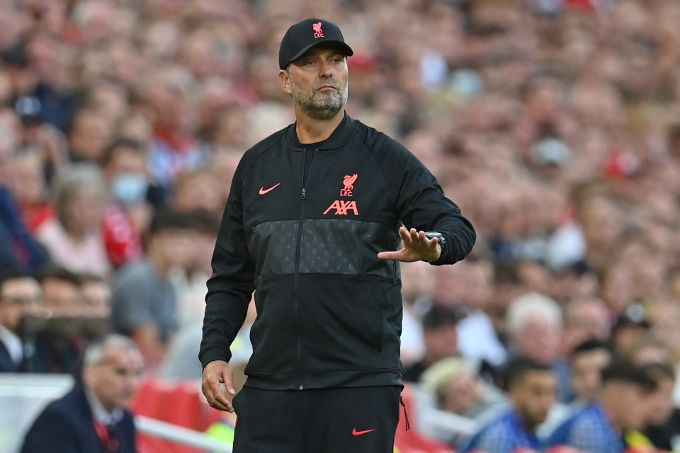 Anyone else still not used to Klopp without his glasses?